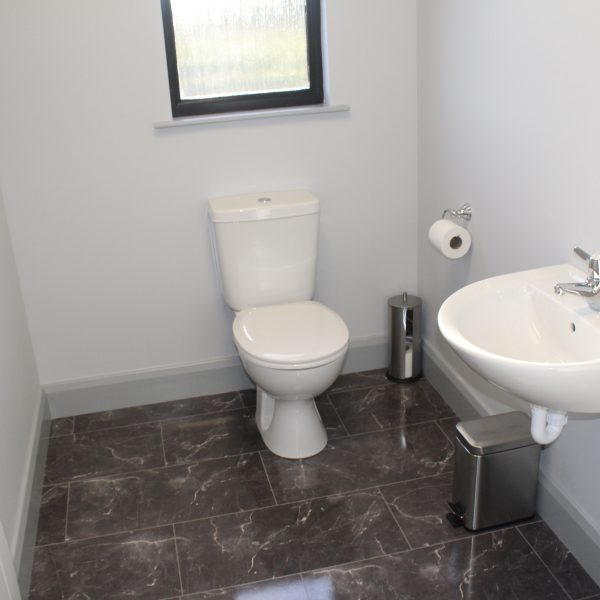 bradley transport modular office with luxury toilet
