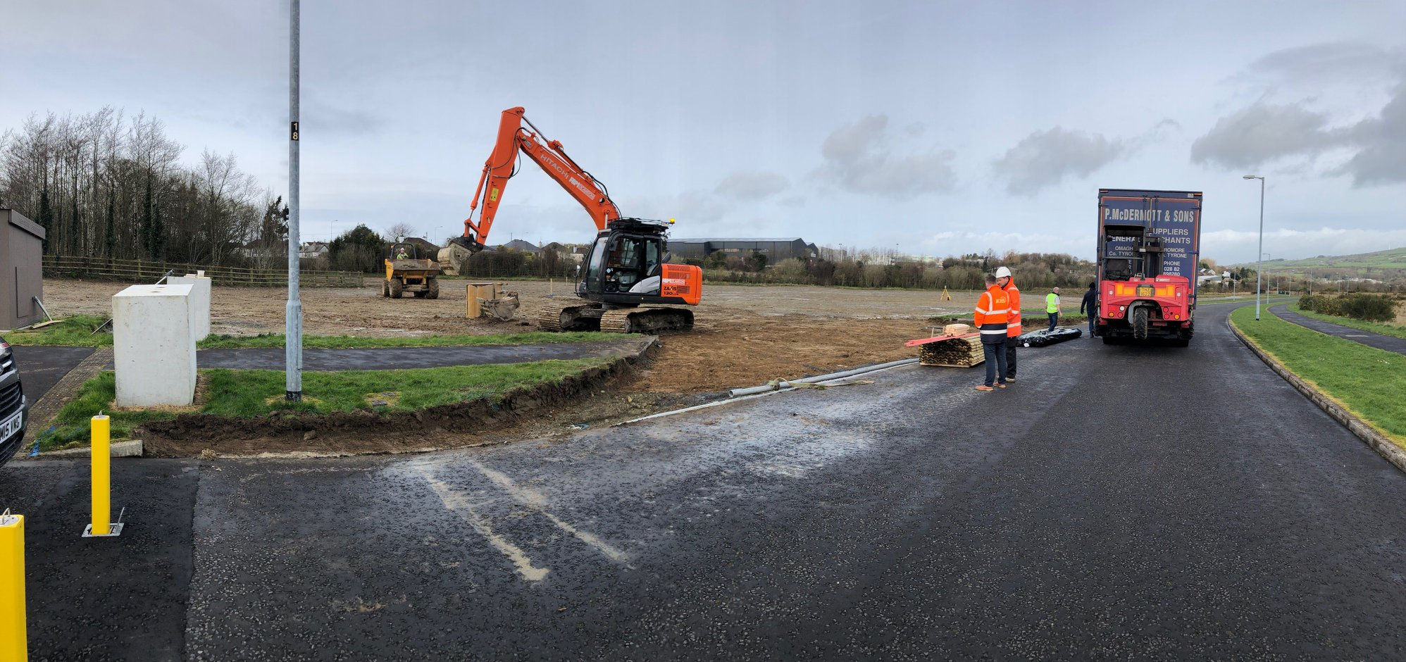 The first week of the KES Group factory build is now complete! The diggers are in and our entrance to Phase 1 has been created.