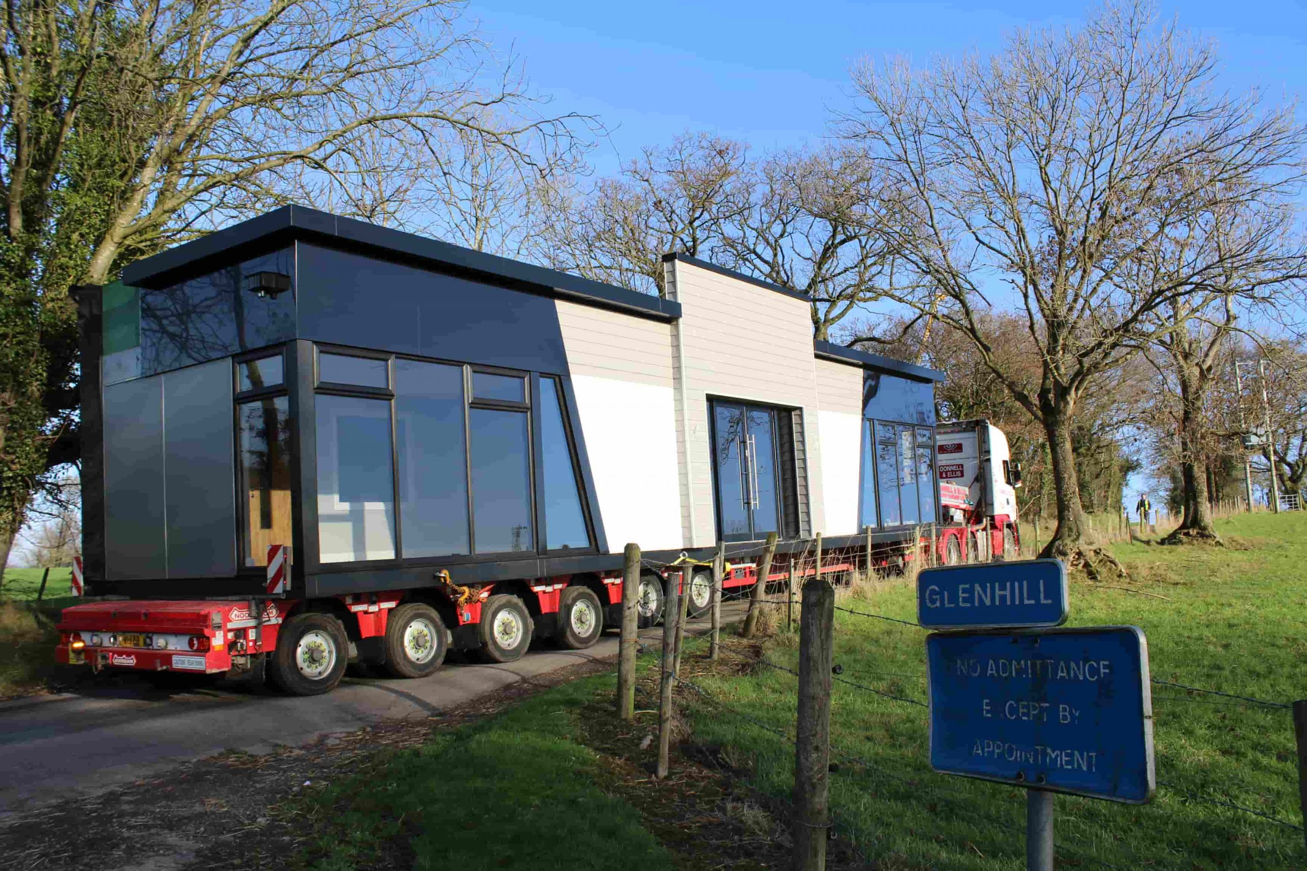 A timelapse of the Smartbuild modular building delivery and installation process, portable buildings, KES Group