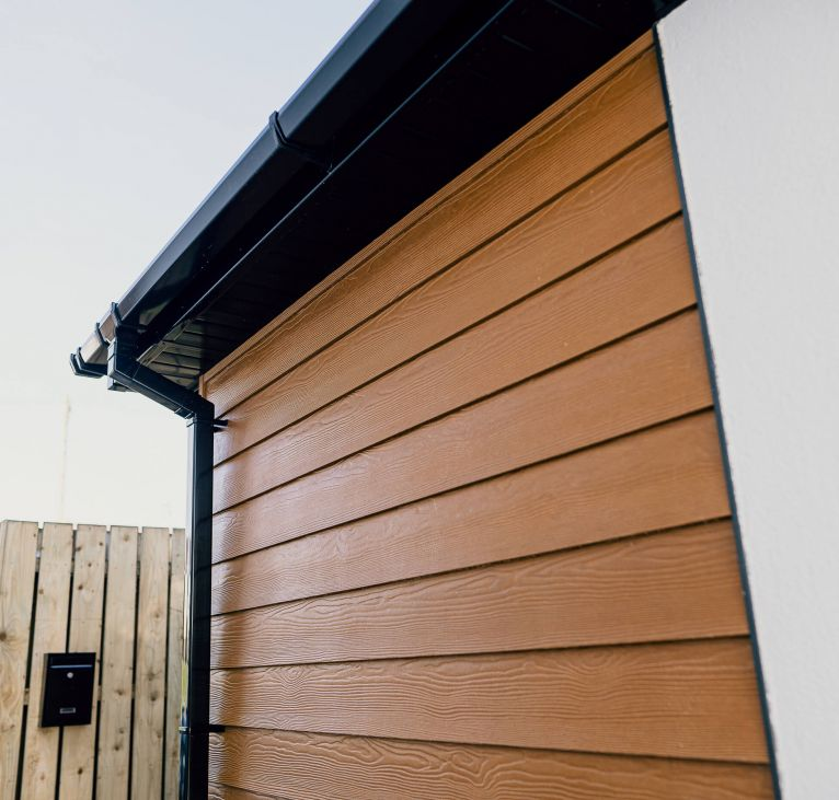 wood cladding exterior granny annexe holiday lodge